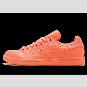 Women's Adidas Stan Smith (Size 8)